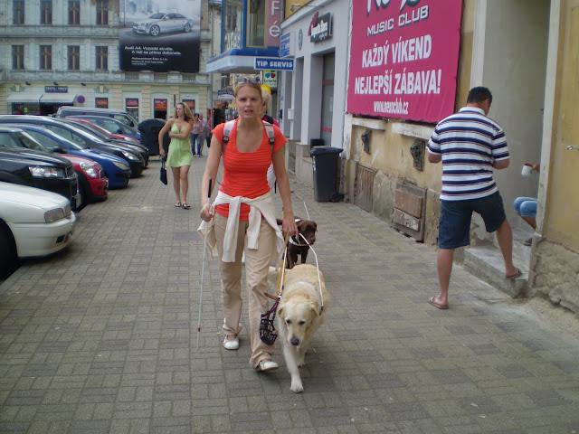 Linda s Cilkou ve městě