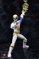 Power Rangers Lightning Collection SPD Omega Ranger & Uniforce Cycle 27