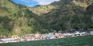 Pemakaman Unik di Desa Trunyan