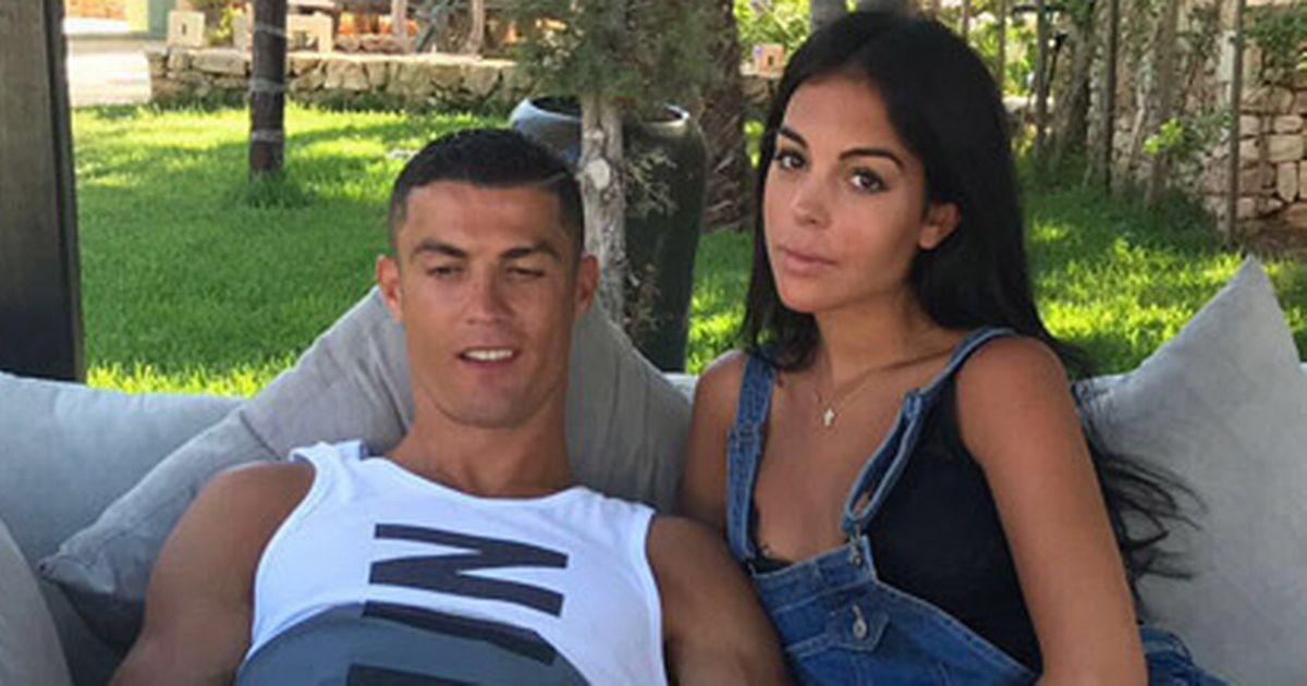 Cristiano Ronaldo And Georgina Rodriguez To Wed Soon As Girlfriend Flash Diamond Ring Welcome To Mighty Cee S Blog