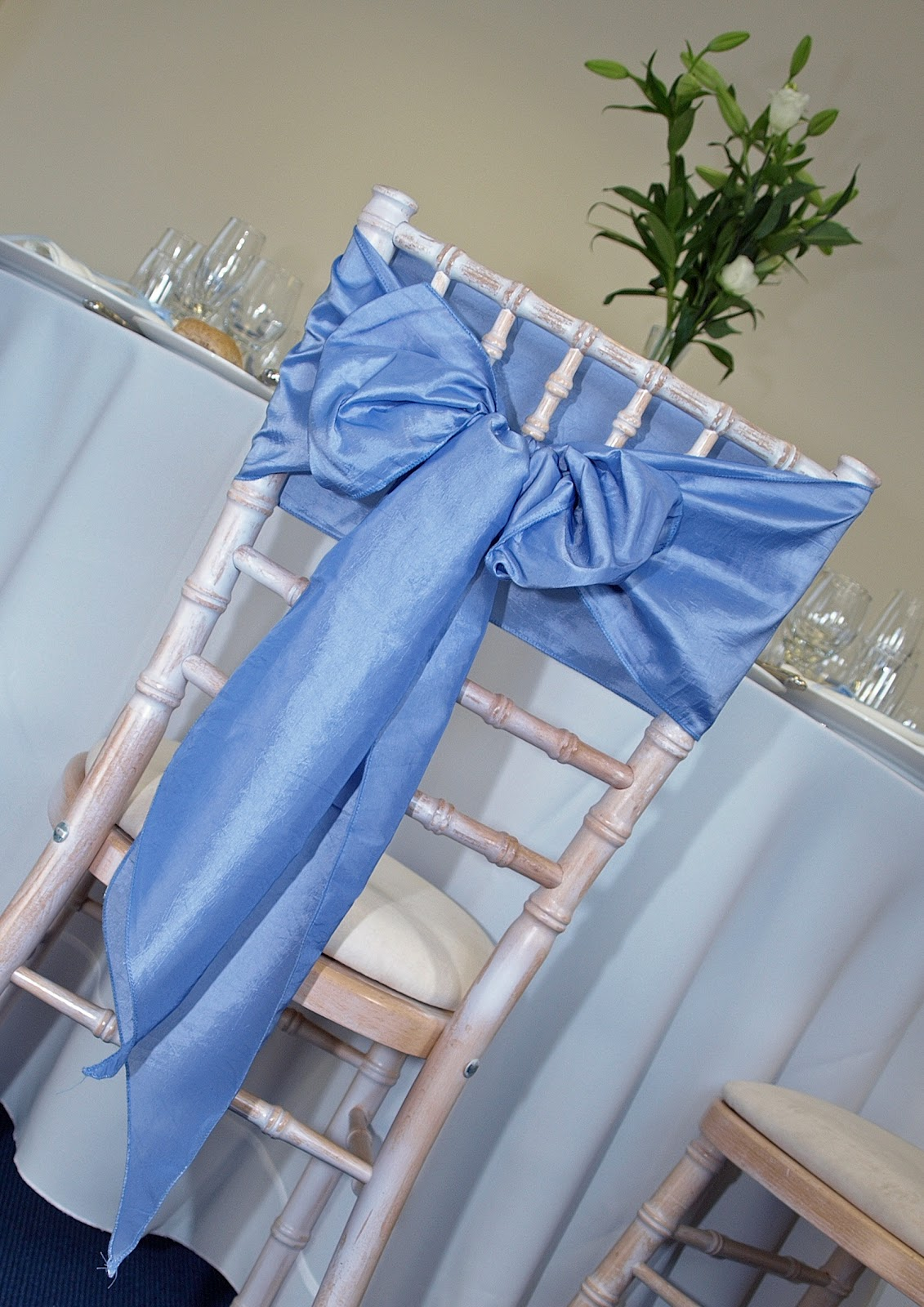 Wedding Chair Cover Hire Chesterfield Monoblock For Sale Philippines Table And Tel 0870 600 4007 Weddings Lime Wash