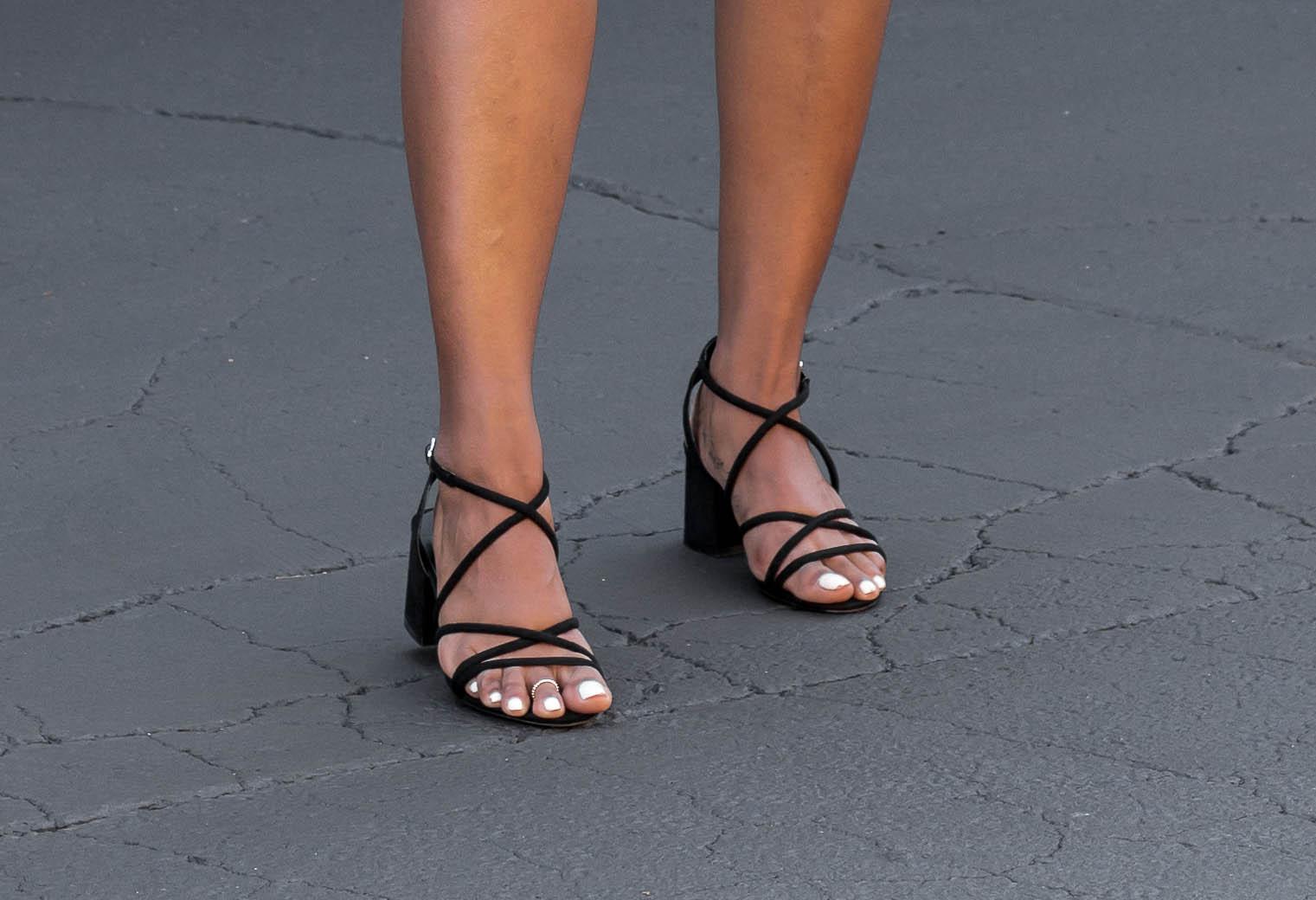 shoeddlaze-sandals-outfit