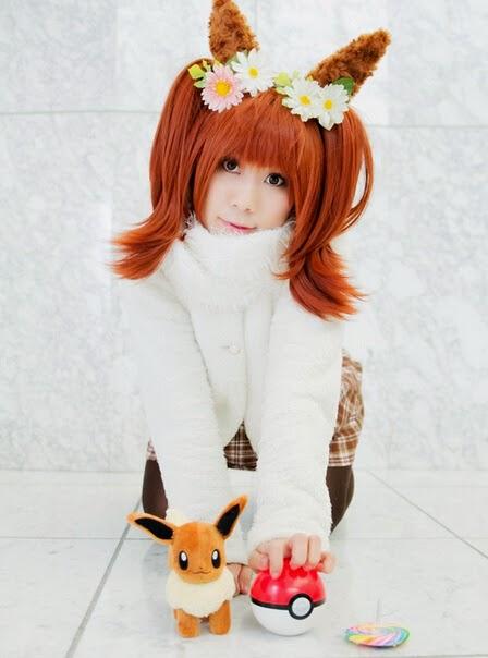 Pokemon Cosplay: Cute Pokemon Human Girl Eevee Cosplay