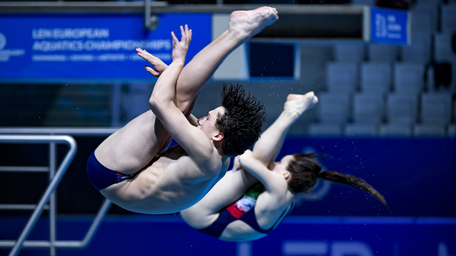 Matteo Santoro, itália Chiara Pellacani, teenage diving, saltos ornamentais