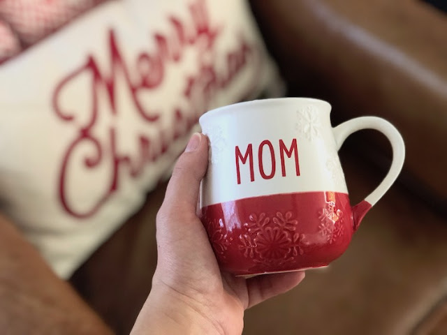 Hallmark Canada Ceramic Mug Merry Christmas Pillow #LoveHallmarkCA