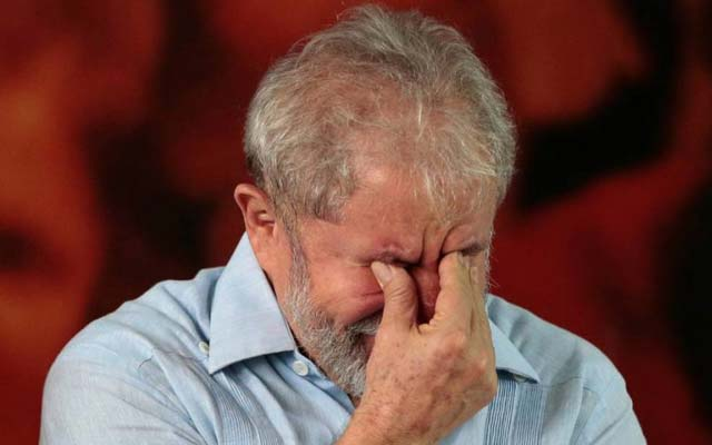 TRF-4 condena Lula e amplia pena para 17 anos no caso do sítio de Atibaia