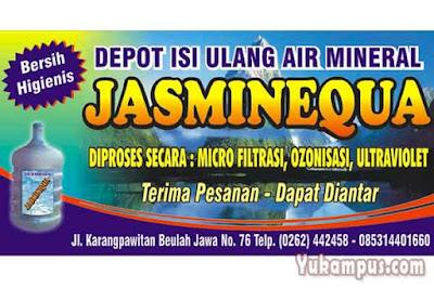 contoh iklan media cetak di spanduk