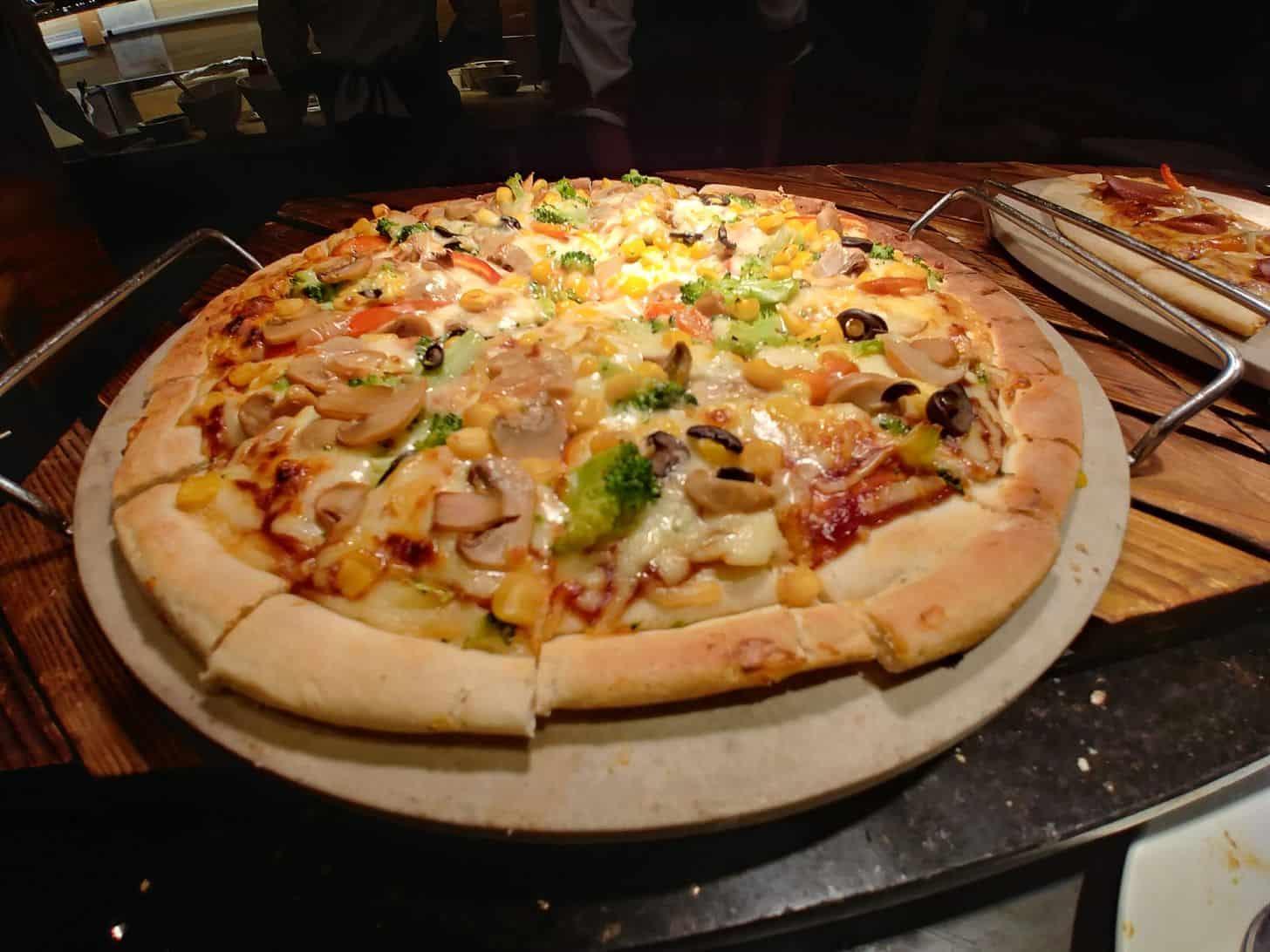 Pizza at Buffet 101 Restaurant