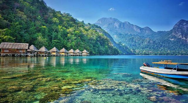 pantai ora ambon, febtarinar.com, travel blogger, lifestyle blogger