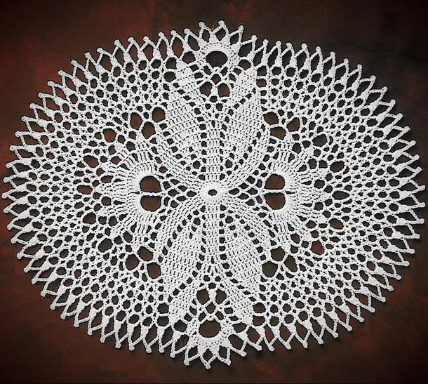 Crochet Doily Pattern - Easy, Oval, white
