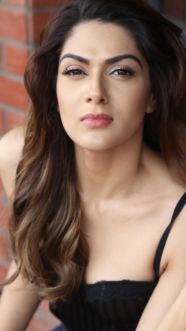 Sakshi Chowdary latest bikini photos