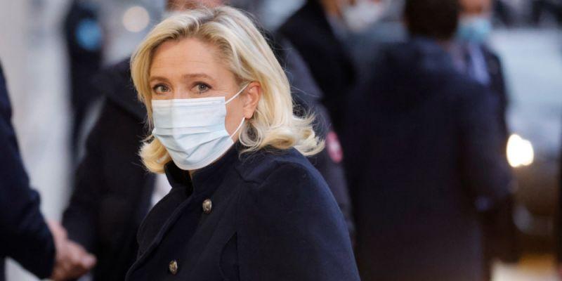 «Nous venons de vivre un voyage en Absurdie»: Marine Le Pen exprime sa colère après une réunion des ministres sur la gestion sanitaire