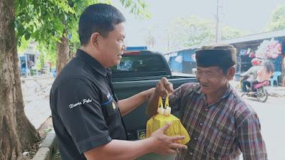 Kebahagiaan Pemulung Kota Serang saat di kunjungi tim Jumat Barokah.