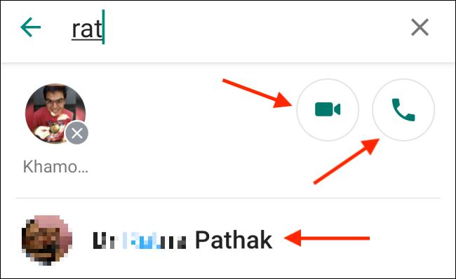 اضغط على زر الهاتف أو الفيديو في تطبيق Whatsapp Android.