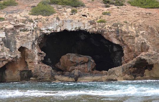 Medio Ambiente regula las visitas a la Cova Tallada de Jávea durante el periodo estival