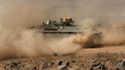 Israel bombardeia alvos militares sírios após impedir ataque na fronteira