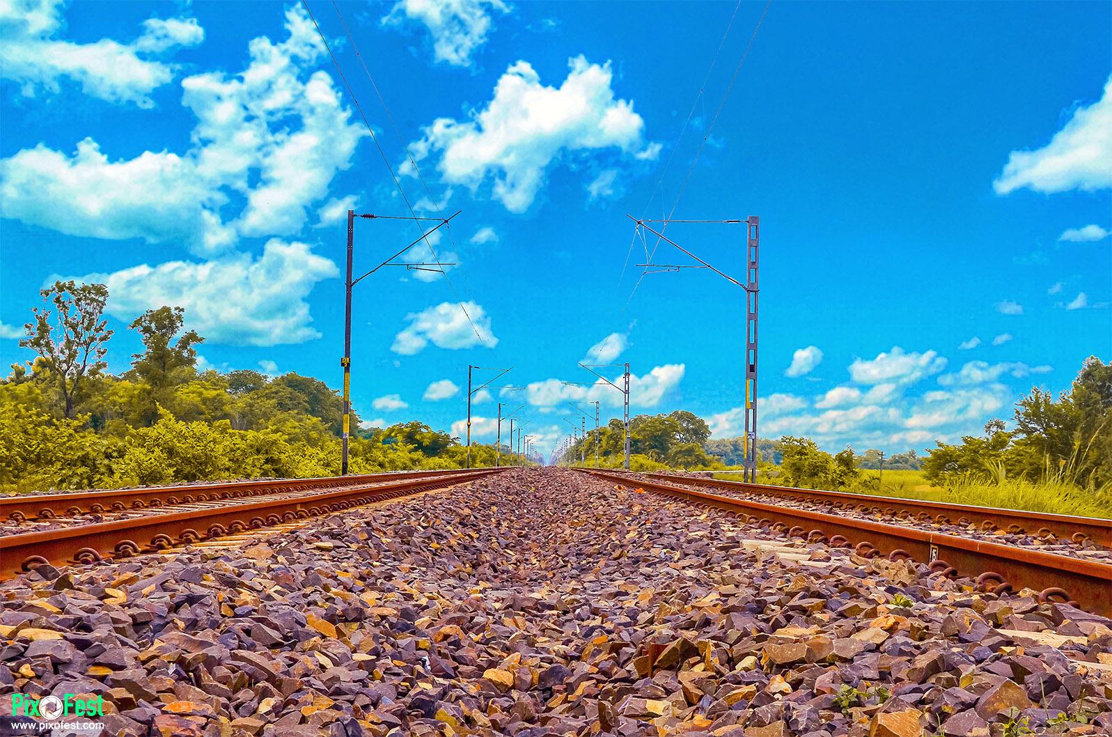 railline,line,railwaytrack,track,sky,landscape,landscapes,indianrailway,pixofest