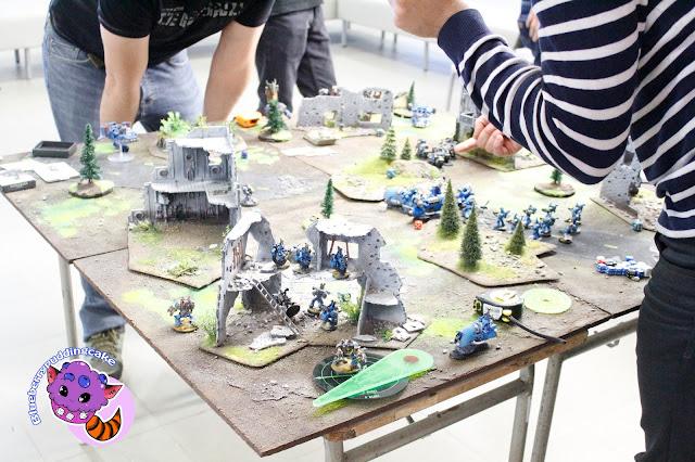 Fani Warhammera 40k robili wrażenie a zwłaszcza ręcznie robione makiety i pomalowane figurki