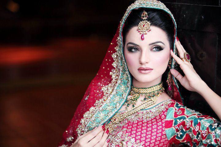 Pakistani Bridal Photo Shoot | Fashion in New Look
