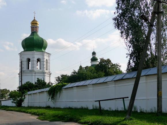 Чернігів. Єлецький монастир. Захисні стіни і надбрамна дзвіниця. 1670-ті р