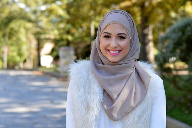 Kata Siapa Pakai Hijab Bikin Gerah. Begini Lho Tipsnya!