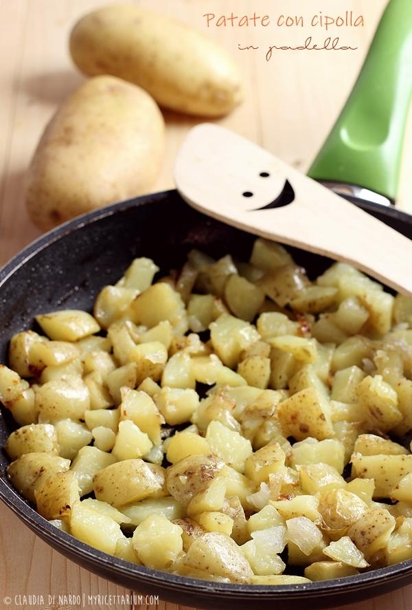 Patate con cipolla in padella