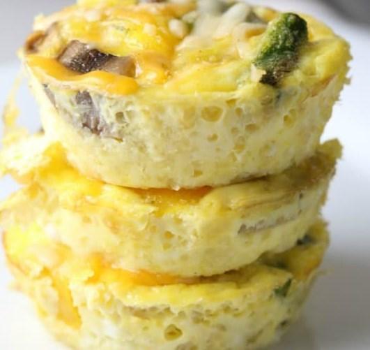 Low-Calorie Egg Cups #healthy #diet