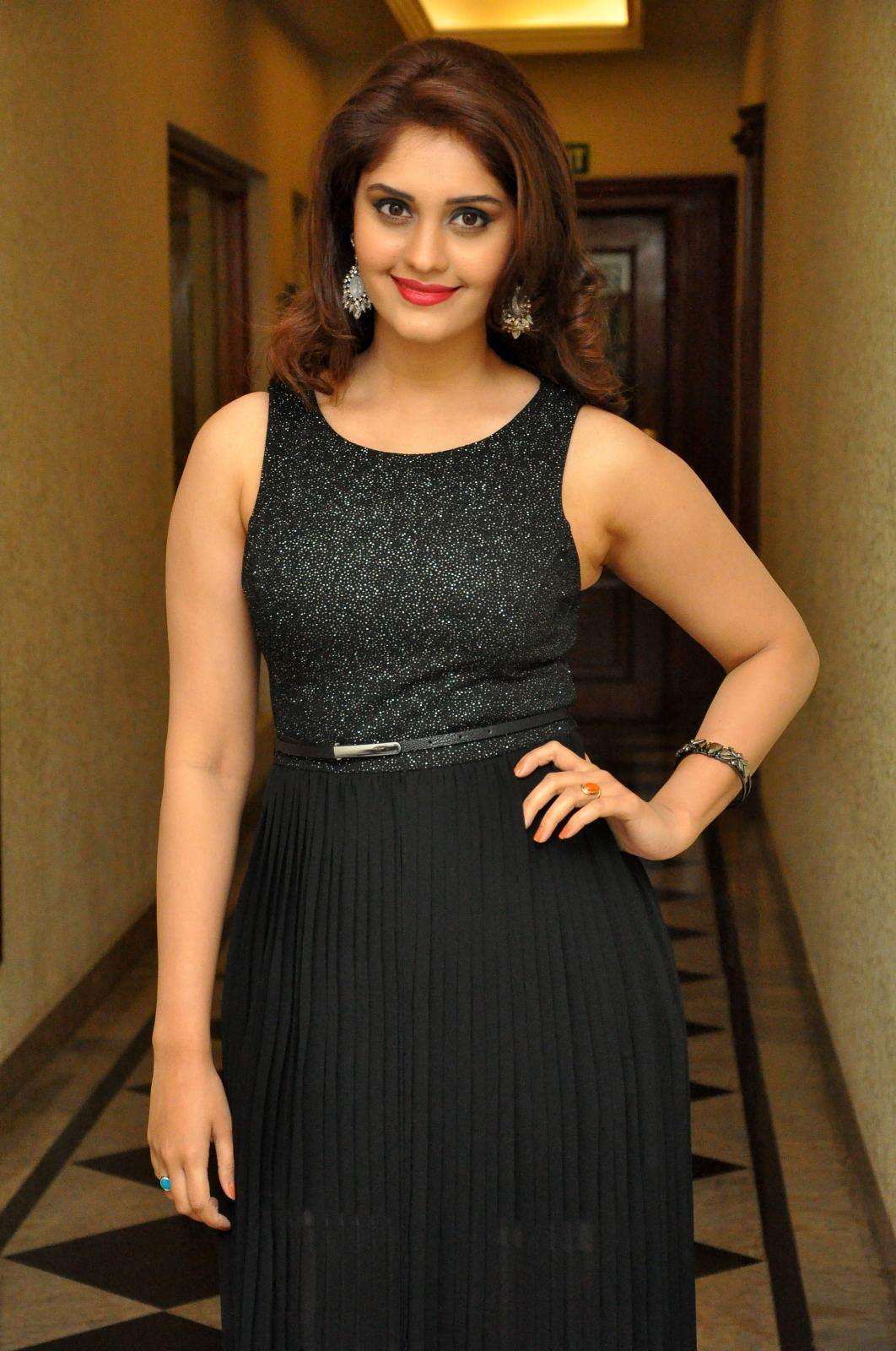 Actress Surabhi Hot Photo Gallery, Surabhi Wallpapers Hd -2349