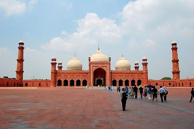 Keindahan Rekabentuk Senibina Masjid