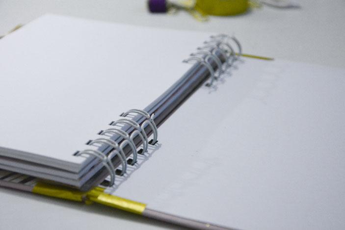 Libreta de scrapbook encuadernda