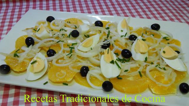Cómo hacer una ensalada de naranja y bacalao muy sabrosa y original