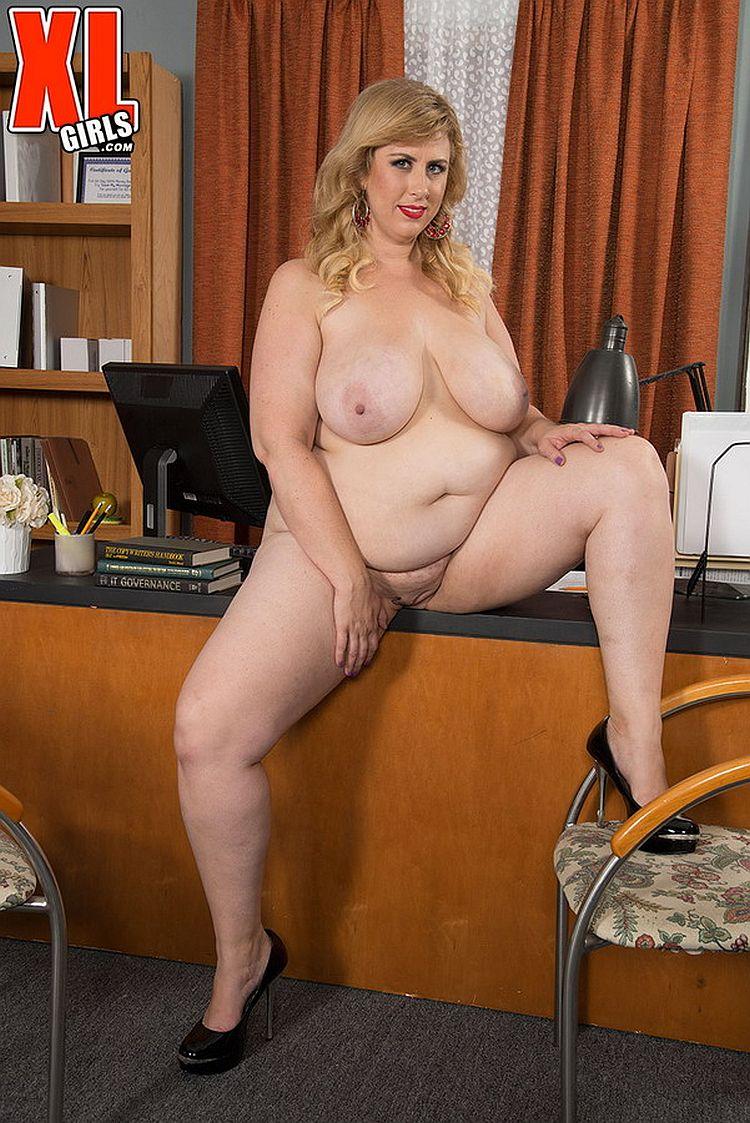 Lovely Porno 29