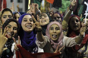 Foreign Women Fleeced And 15