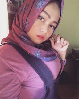 tante girang jilbab, video bokep tante jilbab, foto bugil tante arab