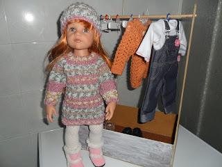 Doll hangers