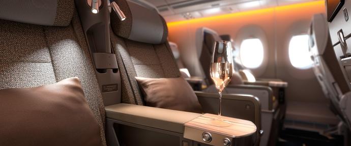 【旅行/歐洲/德瑞法】中華航空 777-300ER (77W) 豪華經濟艙初體驗 - 七先生與艾小姐