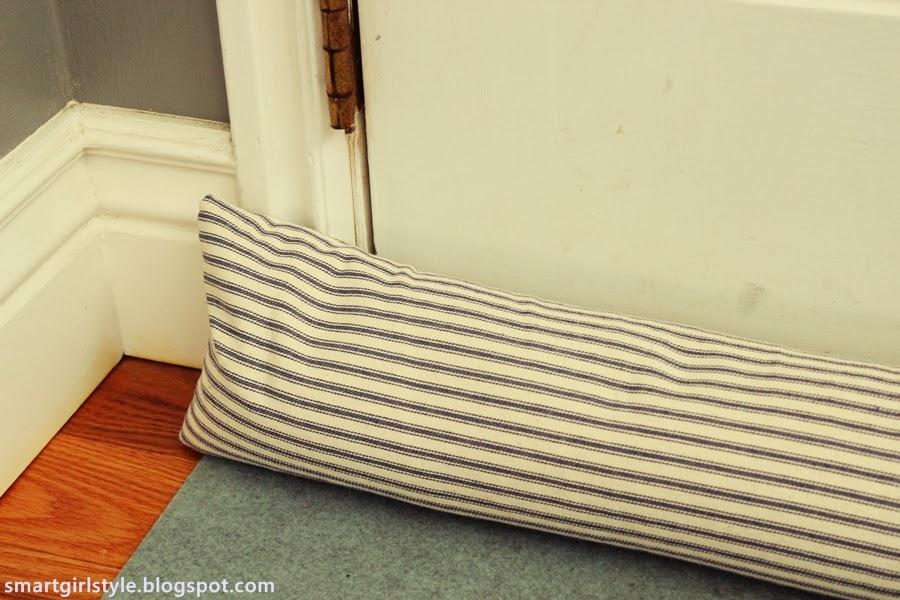 smartgirlstyle: DIY Gift Idea: Door Draft Stopper