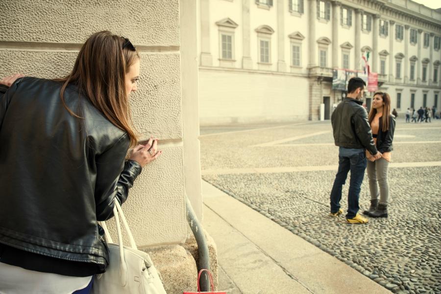 comment surveiller portable son mari