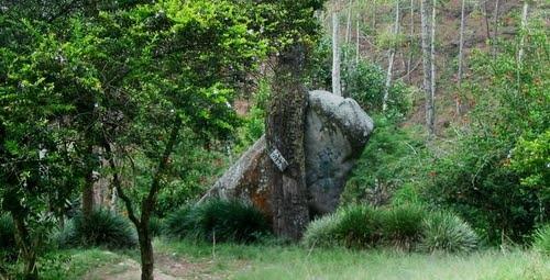 misteri batu kuda di gunung manglayang