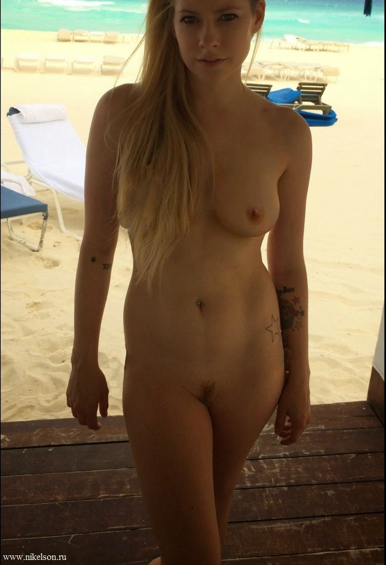 Avril Lavigne Naked Video