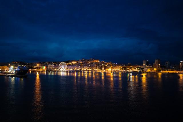 Marina di Cagliari vista dal mare/porto