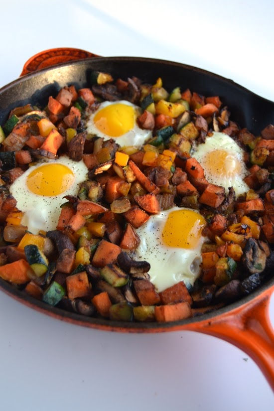 This vegetable breakfast skillet is packed full of nutritious vegetables and baked eggs for the perfect start to your day! www.nutritionistreviews.com