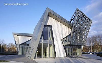 Residencia moderna de metal y madera vanguardista - Villa Libeskind