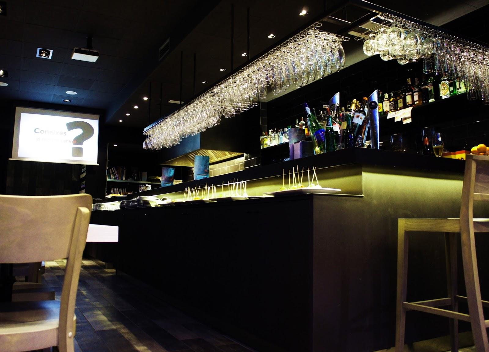 Merkat caf rv12 arquitectos arquitectura y dise o for Los mejores disenos de interiores del mundo