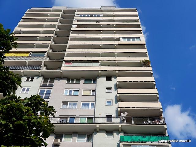 osiedle Warszawa Warsaw warszawskie osiedla bloki architektura architecture blokowisko blok Bielany balkon