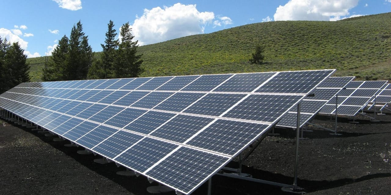 What is the advantage of on grid, off grid and hybrid solar systems.