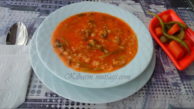 ıspanak sapı çorbası nasıl yapılır, ıspanak çorbası tarifi,ıspanak kökü yemeği, ıspanak yapmanının püf noktaları, kolay çorba tarifleri,farklı çorba tarifi