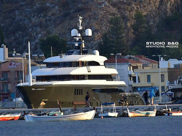 Αέρας χλιδής στο Ναύπλιο - Πλωτό παλάτι €50.000.000 έδεσε στο λιμάνι