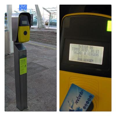 máquina para validar o bilhete de metro do Porto