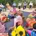 दुमका प्रखंड विकास पदाधिकारी ने ग्रामीणों को दिया कोरोना से संबंधित जानकारी